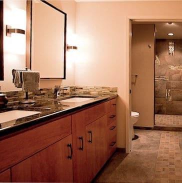 JAPANESE-STYLE MASTER BATHROOM