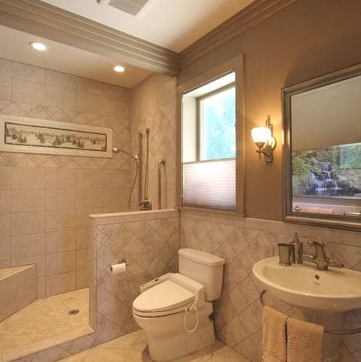 GUEST AND HOME OFFICE BATHROOM