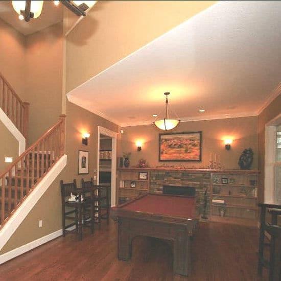 Craftsman-Style {2f09113ecd7e766169d213037c53a47c47462b75a59f6c22c45b51e5db72dd50}22Pub{2f09113ecd7e766169d213037c53a47c47462b75a59f6c22c45b51e5db72dd50}22 Living Room