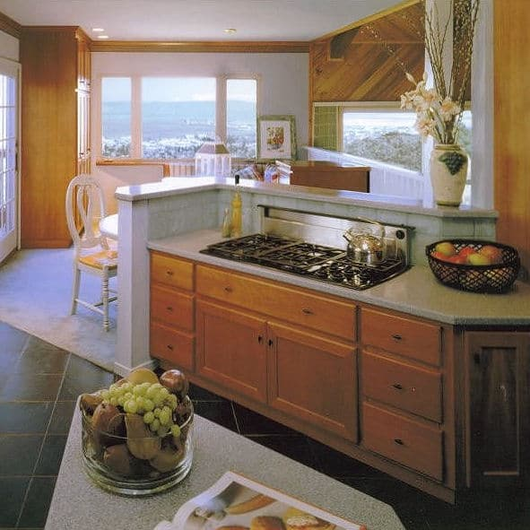 1970 SCANDINAVIAN-STYLE KITCHEN