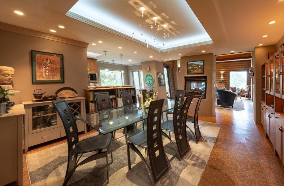 Frank Lloyd Wright-Inspired Living Room 1