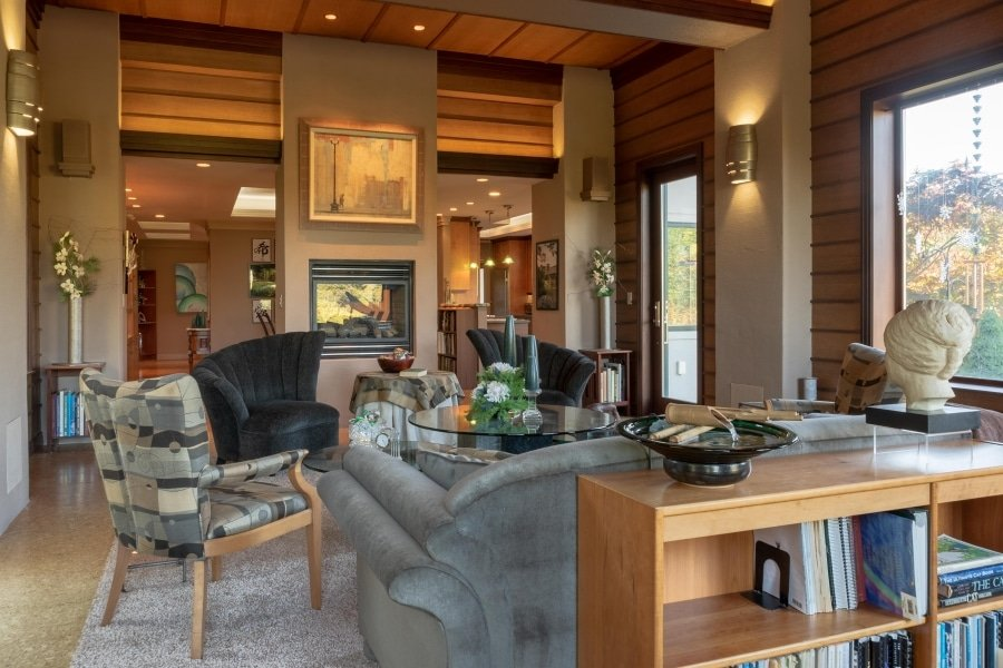 Frank Lloyd Wright-Inspired Living Room 2