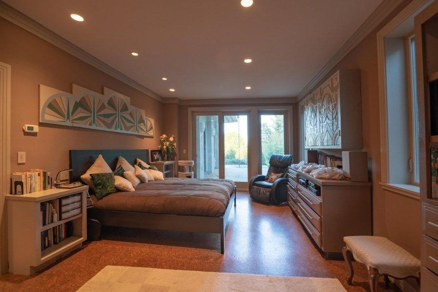 Frank Lloyd Wright-Inspired Living Room 4